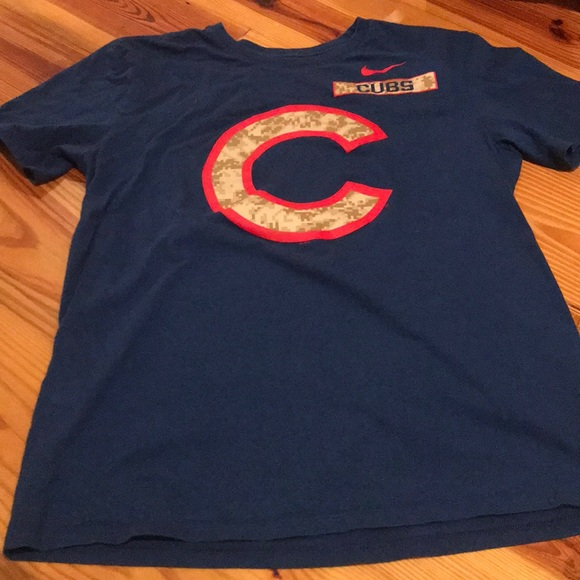 uk availability 478ac e28f0 Nike Chicago Cubs Camo T-shirt size large